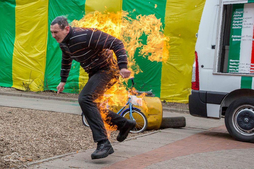 MG Action, Bodyburn, Feuerstunt