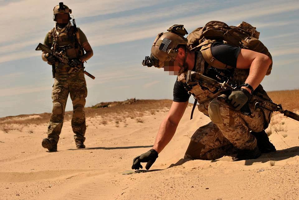 MG Action, Special Forces Team, EOD UXO, Navy Seal, Devgrou, desert
