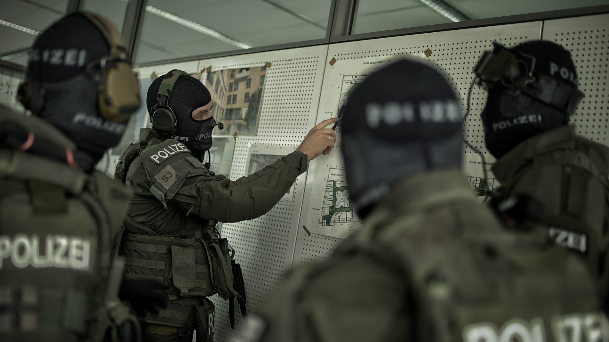 MG Action, MG Forces, Special Forces für Film, SEK Film, GSG9 Film, Polizei Film, Einsatzbesprechung